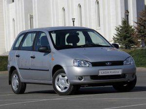 5 автомобилей, у которых трудно поменять лампы в задних фонарях