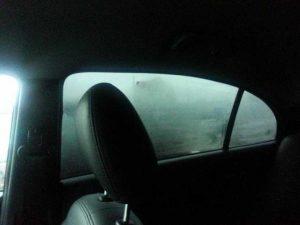 5 способов сделать так, чтобы во время дождя в машине не потели окна