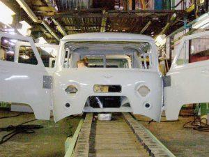 На УАЗе обнаружен автомобиль с тайником, который вывозил с завода тонны краденных запчастей